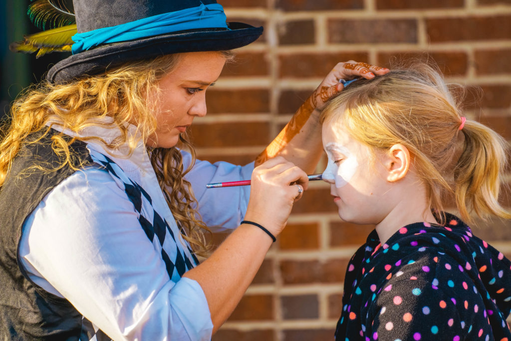 A face painter at work